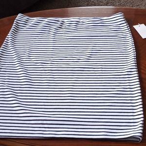 SO, Black and White Knit Skirt